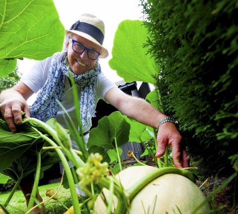 Finn Schjøll eier kun en liten andel i blomsterbutikkjeden som nå er konkurs.