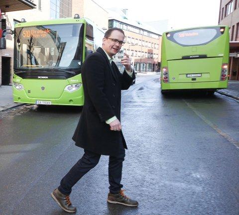 Buss: I Amtaland er det i følge Knut-Martin Løken i Ruter buss 500 E Drøbak- Oslo Ekspress og linje 570 Vinterbro- Fjellstrand og 575 Fagerstrand-Nesoddtangen som vil merke rutendringen. Foto: Bjørn V. Sandness/Østlandets Blad