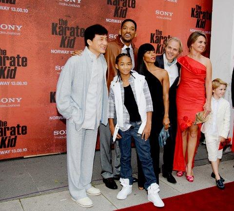 Jackie Chan, Jaden Smith, Will Smith, Jada Smith, Harald Zwart sammen med kona Veslemøy Zwart og sønnen på den røde løperen til premieren på The Karate Kid på Fredrikstad kino for ti år siden.