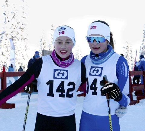 DUELL I J14: Åsne Oline Sletten, Tormod Skilag (t.v.), og Stine Ludahl Lagethon, Øyer-Tretten IF, kjempet som seieren i J 14. En duell Åsne Oline avgjorde til sin fordel på Astridbekken.