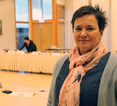 Fylkesordfører Ragnhild Vassvik (Ap) legger torsdag frem forslag til budsjett sammen med SV og KrF. Foto: Kristina Bøland