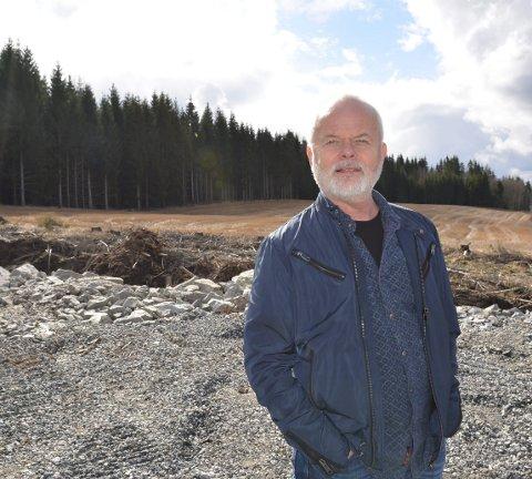 FRA SKI:  Ole-Petter Berger (59) fra Ski er en av eierne av Nor Aviation som søker om å etablere landingsplass på det nye næringsområdet i Hobøl. – Dette er også et godt egnet sted for helikoptergarasje, sier han og håper på positiv behandling.