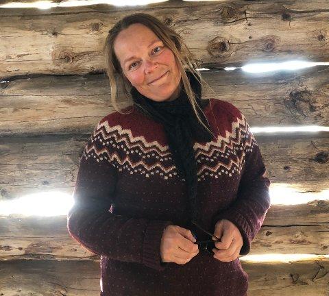 Har draumejobben: Alice Gudheim gler seg til nok ein sumar i Bitibua. I år er det femti år sidan foreldra opna ho. Sjølv har Alice vore kioskdrivar sidan 2003.