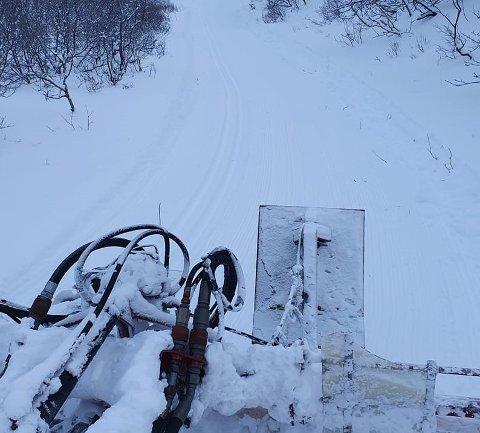 DUGNAD: Arbeidet med løypene i Kjøllefjord er dugnadsarbeid.