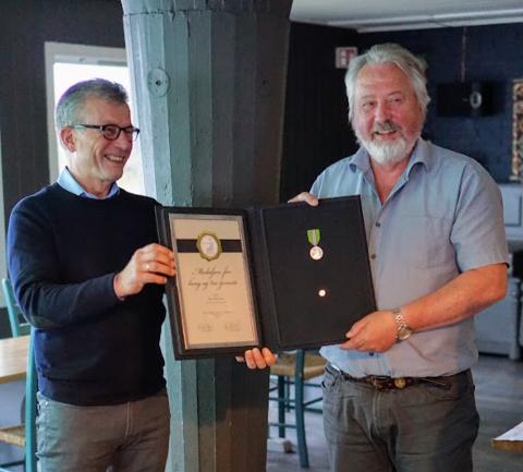 HEDRET MED MEDALJE: Rune Arnøy, nylig pensjonert havnedirektør.
