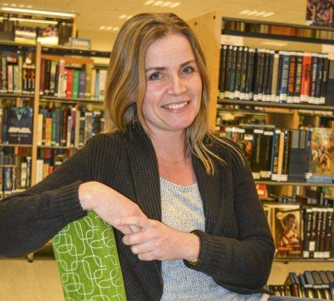 - Folkebiblioteket er en del av kulturelle grunnmuren i enhver kommune,sier biblioteksjef Marianne Mørch Grahn. Nå slutter hun i jobben, men bøkene gir hun aldri slipp på.