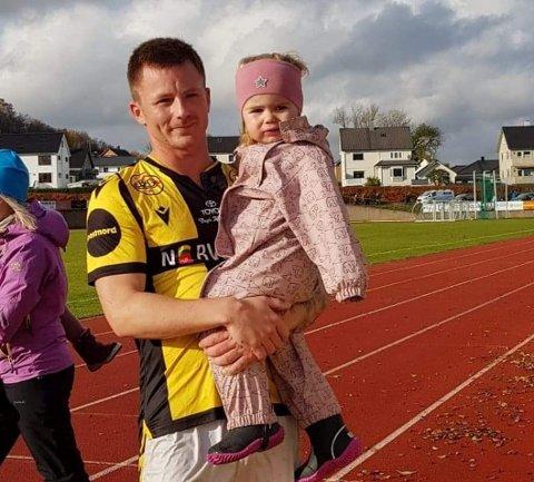 FAMILIEFAR: Kenneth Grande har etablert seg i Egersund hvor han har stiftet familie.