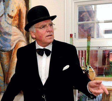 Den gamle badelege: Svein Ingebretsen som sitt alter ego, doktor Heinrich Arnold Thaulow.