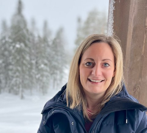 HEKTISK: Daglig leder i Lygnalia Grunneierlag, Liv Ragnhild Heier, merker stor pågang foran vinterferien som for mange starter mandag.