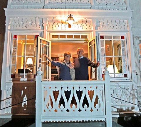 GAMMEL BOLIG: Arne og Mary-Anne Svilaas stiller huset sitt til disposisjon for huskonsert søndag 27. januar.