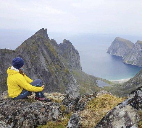 Tur: Rita anslår at hun går 150 til 200 fjellturer i året. Her på Kitinden i Moskenes, 757 moh.