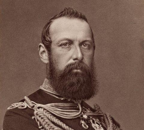 MOSSEFOTOGRAF: Kong Carl IV fotografert i 1870 av Mathias Hansen fra Moss.