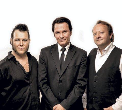 SPILLER: Fra venstre Vidar Busk, Paal Flaata og Stephen Ackles spiller Elvis' gospelperler sammen med Skikoret.