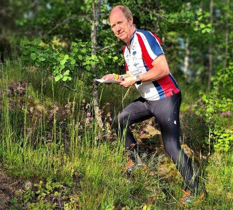 FORNØYD: – Det var gøy å bli kretsmester med et nær prikkfritt løp. Nå satser jeg på å følge opp i veteran-NM kommende helg, sier en fornøyd Sture Ottesen etter KM-gullet på langdistanse. ARKIVFOTO