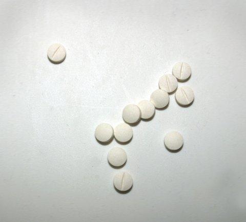 Piller. Hodepinetabletter. Pillemisbruk. Lykkepillen. Lykkepille. Medisinering. C-vitaminer. Tabletter. Rusmisbruk. Foto: NTB