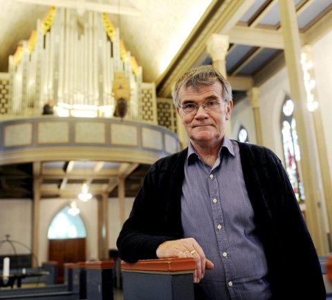 LANG ERFARING: Arne Rodvelt Olsen har jobbet som domkantor i Tønsberg domkirke i 40 år. 1. desember blir hans siste dag i jobben.