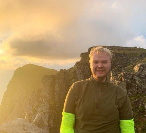 LANGTUR: Hvis han får samlet inn tusenlappene, skal Jørgen Kaupang-Marthinsen gå sørover fra Løvøya, i sånn cirka fem mil.