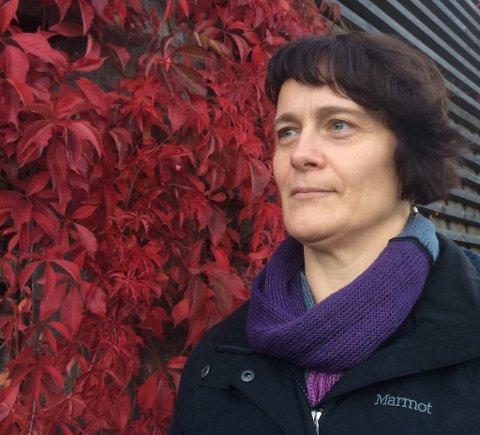 TEOLOGISTUDENT: Kirsti Evensen Bjåstad innleder om temaet felleskapets betydning for overgrepsutsatte.
