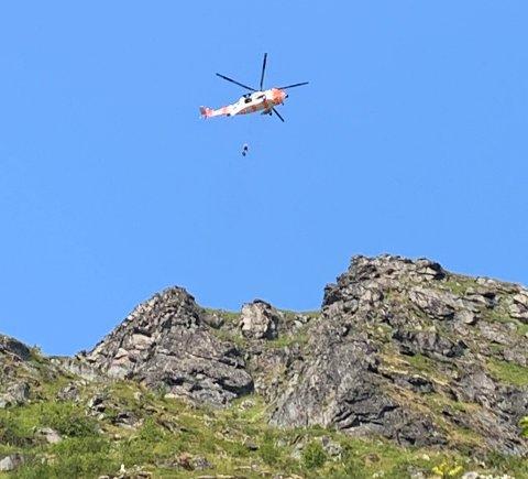En mann som var på tur på Reinebringen tirsdag skadet hodet, og ble hentet av redningshelikopteret.