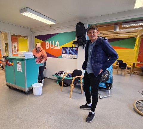 BUA: Nå ønsker veileder Andreas Skeie å tilby ungdommer sommerjobb ved BUA på Kolvereid. Line Pettersen (22) har jobba her i siden oppstart.