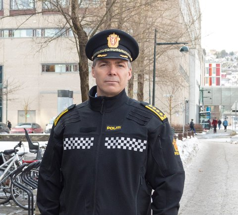 """Anders Sunde-Eidem, leder for felles enhet for etterretning og etterforskning i Trøndelag politidistrikt, frykter """"feiringen"""" av gjenåpningen vil gi økt risiko for fyll, bråk og  skader på mennesker.  – Vi kommer til å ha dialog med samarbeidpartnere om hvordan de kan bistå i de uheldige konsekvensene som kan oppstå."""