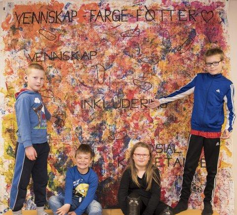 Vis-vegg: Elever ved Hvarnes skole har laget et eget veggbilde som skal minne om VIS.