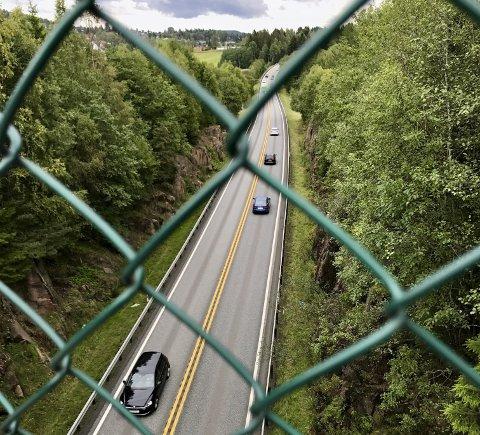 MIDLERTIDIG: Statens vegvesen mener utbyggerne må ta regningen selv om de ønsker en midlertidig bro over E134.