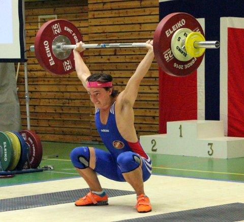 SØLV: Robert Andre moldestad tok sølv i klasse 69 kilo.