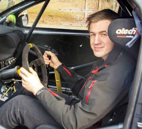 Satser friskt: Jan Emil Wilsberg har som mål å kapre NM-medalje i rallycross. FOTO: MONA ROLFSDATTER OLSEN
