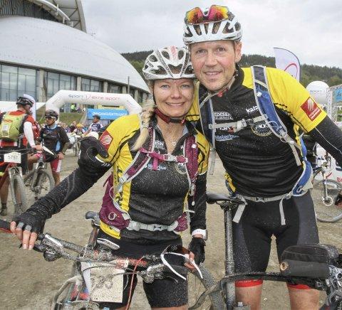 MERKET: Silje Steinmo, Mosjøen og Omegn Cycleklubb fikk en 14.plass i sin klasse. Hun syklet i mål sammen med Roger Andersen. Foto: Svein Halvor Moe