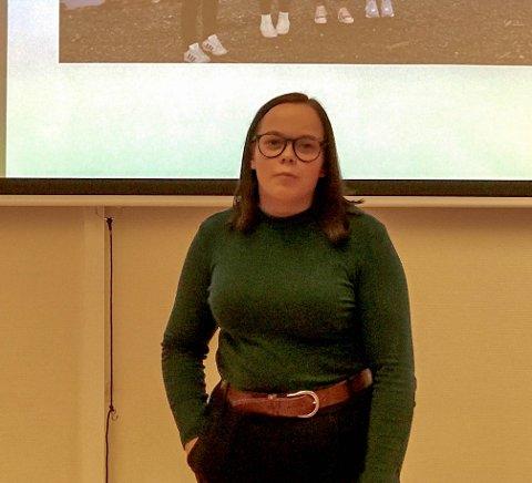 UNGT ENGASJEMENT: Kamilla Elene Samuelsen, leder i Finnmark Natur og Ungdom, var også en av foredragsholderne. Foto: Leif Gøran Wasskog