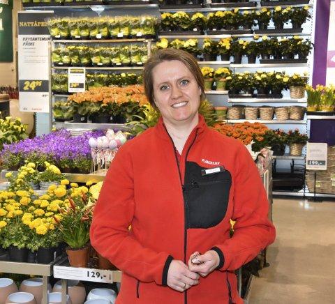 Fornøyd: Butikkleder Cecilie Schjoll Røste er godt fornøyd med åpningen. Foto: Øyvind Henningsen