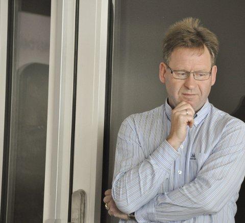 Beklagelig: Styreleder i Vågan næringsforening, Tor Henriksen mener at alle innstillinger på flyvninger til og fra Lofoten er beklagelig.