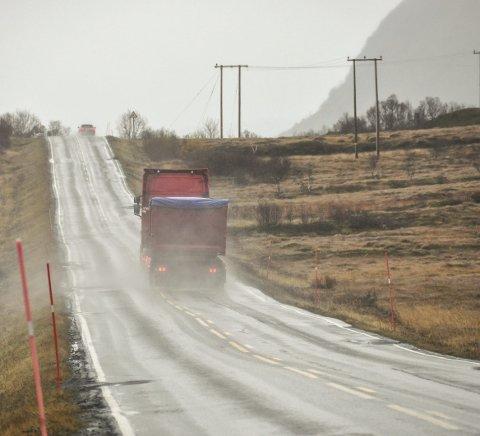 Planlegging: Statens vegvesen starter planleggingen av Veipakke Lofoten i år. Her fra E 10 på Grundstad på Vestvågøy.