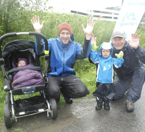 Ut på tur: Lillesøster Ellen, pappa Morten, storebror Elias og bestefar Ståle var en perfekt heiagjeng i 2015.