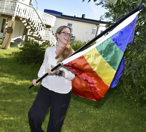 Klare krav: Fylkesleder Anja Johansen i Nordland Venstre sitter i landsstyret til Venstre som i helgen landet på å gå i forhandlinger om plass i regjering. Der vil man stille flere krav, sier Johansen som også er kommunepolitiker i Vågan. Her fra stortingsvalgkampen i høst da hun var partiets 2. kandidat i Nordland.