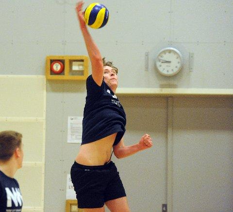 INNSATS: Vetle Harnes og de andre unggutta i Oslo Volley har trent foran NM.