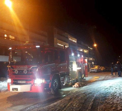 Brann: Én omkom i brannen i Plogsvingen