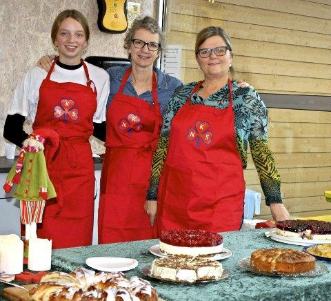 Stor innsats: Flittige  medlemmer bidro, her ser vi fra venstre Nora Waaden, Liv Christin Waaden og Anne-Berthe Fougner.