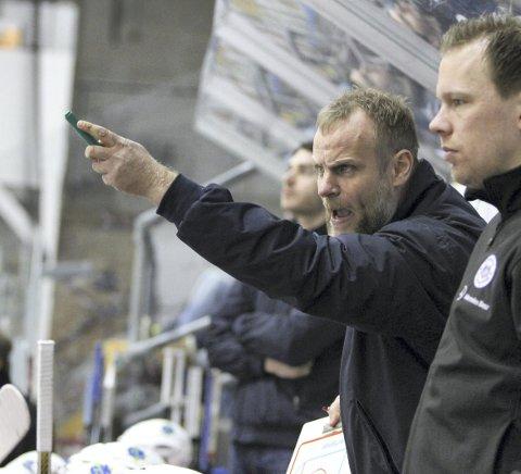 FORNØYD: Lørenskog-trener Kenneth Larsen så sitt lag slå Lillehammer søndag.