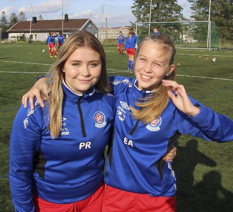 Initiativtakere: Pia Røstvang (t.v.) begynte å spille fotball i år. Eline Askilsrud følte det ble for mye å være på et satsingslag.