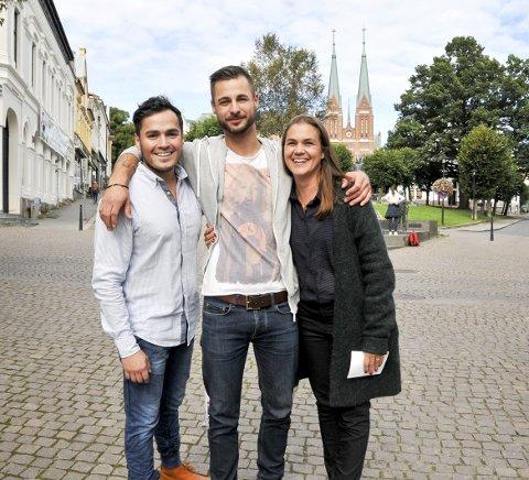 - kom igjen!: Jorge Brito (til venstre), Christian Wergeland og Kathrine Nakken håper at mange av byens bedrifter stiller til start.