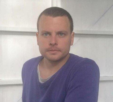 Politiet ber om tips i søket etter savnede Alexander Holsen (29). Foto: Privat
