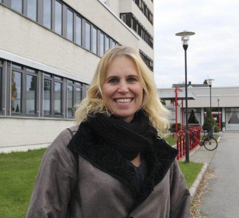 Inviterer: Ordfører Kamilla Thue gleder seg til å feire Hans Børli et helt år, og inviterer alle til festforestilling 8. desember.