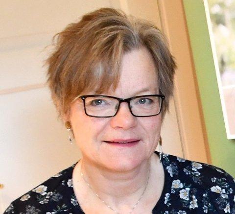 FOR BYGDA: Marit Tordhol førebur feiringa av 90 års jubileet til Lesja bygdekvinnelag.