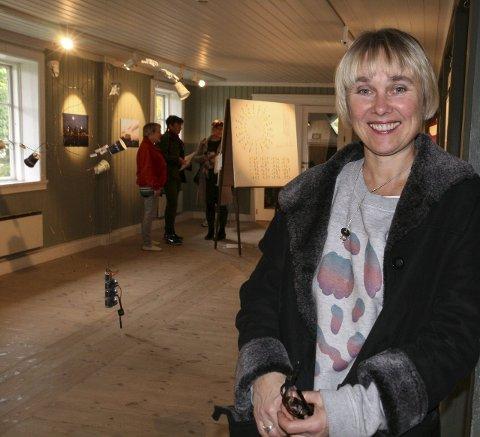 MODERNE KUNST: Siri Austeen og åtte andre kunstnere fra Spinneriet viser bredde i Galleri Rød.