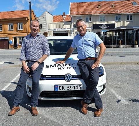 BILLEIE: Kommunen skal nå leie biler på dagtid. på kvelden og i helgene kan du leie de samme bilene, forteller Martin vik og Thor Edquist.