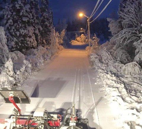 MANGE LYSLØYPER: Det er fullt mulig å gå på ski for dem som har ventet på skiføret. Mange lysløyper er preparert. Bildet er fra lysløypa på Aufles.