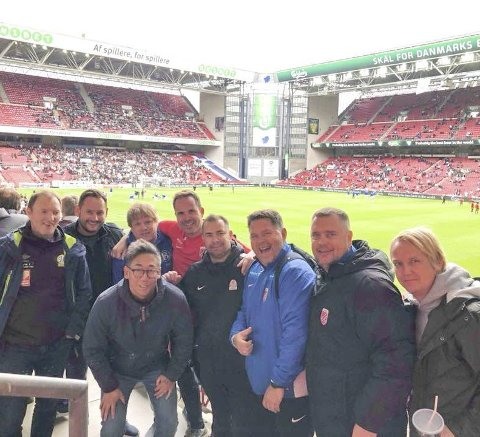 SONETRENERE: Sonetrenerne i kretsen var på studietur til FC København i fire dager. Cato Johnsen og Bjørn Arve Lund lengst t.h.