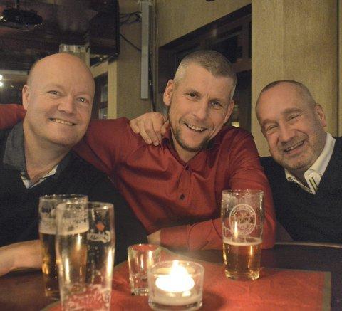 QuizHYGGE: «The Blind Ones» med Jan Skyrud (f.v.), Ole Pettersen og Michael Laurin koste seg.Foto: erik ANDREASSEN